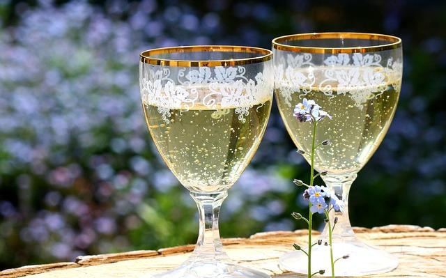 champagne-736773_640_mini