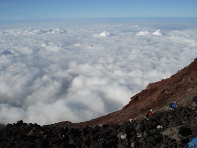 山頂より雲海を望む